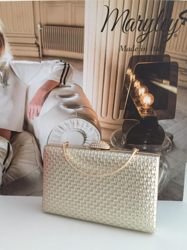 Elegante goldene Abendtasche