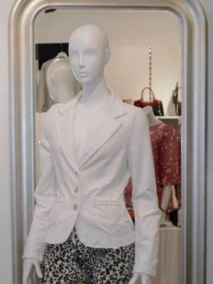 Weißer Blazer elegant & stillvoll