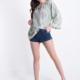 Bluse aus Baumwolle mit V-Ausschnitt und Spitze- Olivgrün -