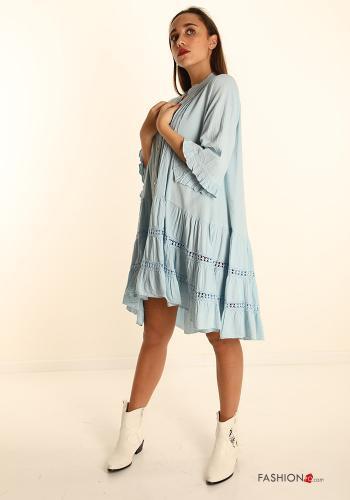Kleid aus Baumwolle mit V-Ausschnitt und Volants - Himmelblau