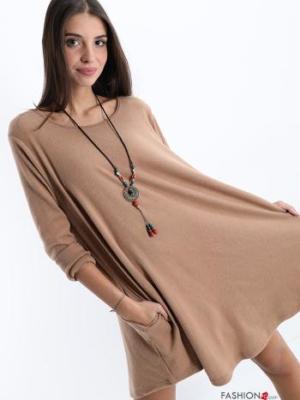 Kleid mit Halskette - Beige